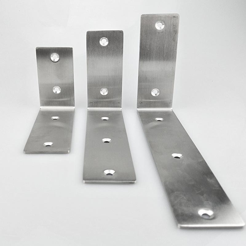 ángulos de metal